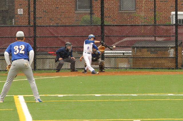 Max Onderdonk hitting in the bottom of the third inning.